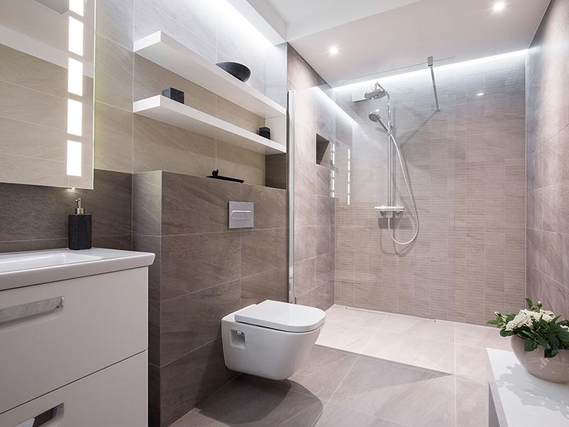 badkamer met natuursteen